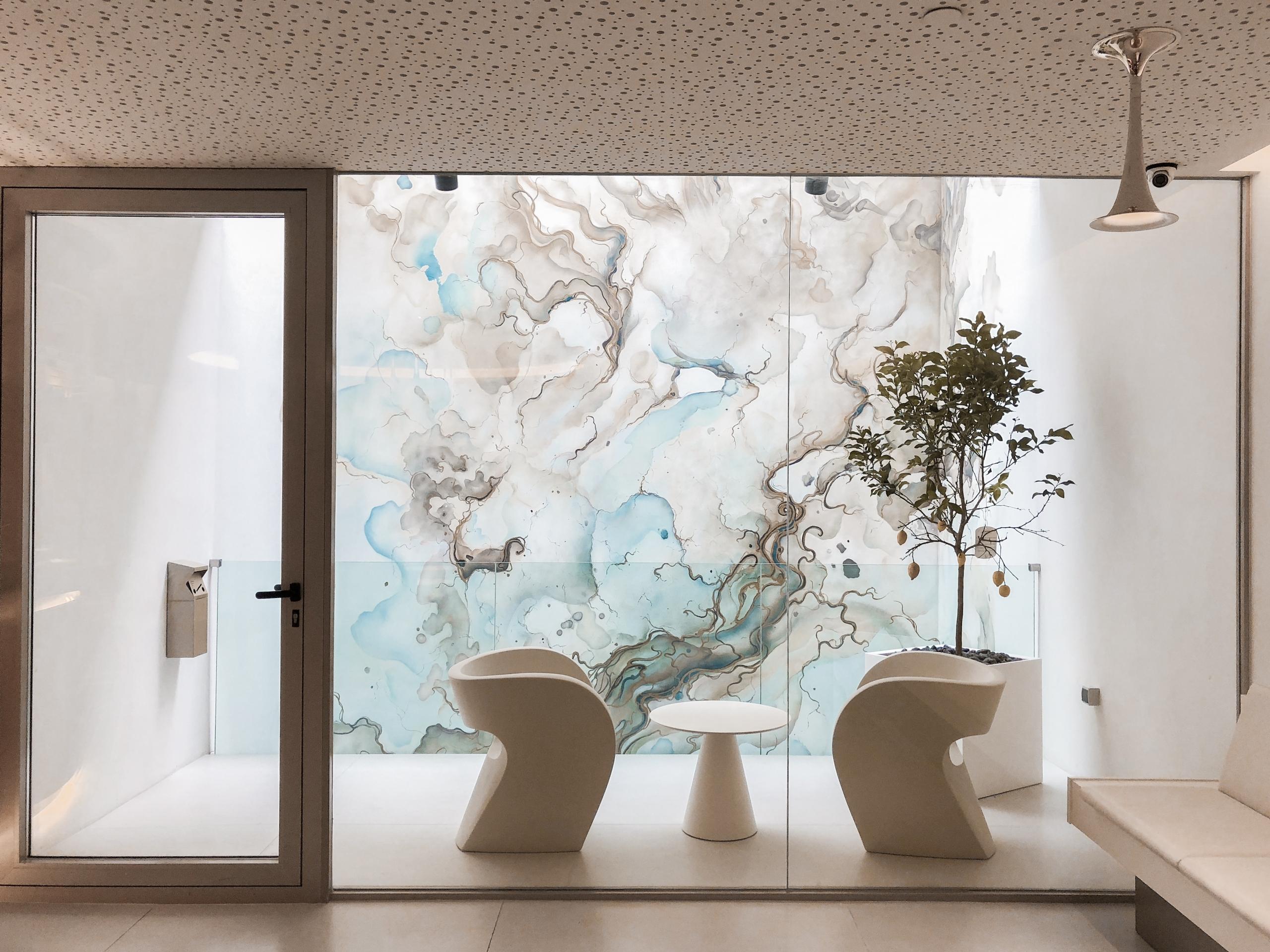 Mural pintado a mano con motivo abstracto elegante